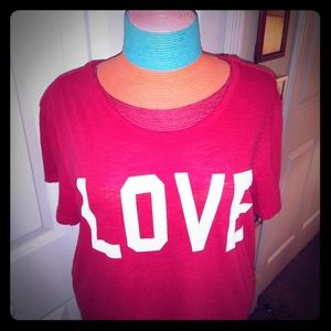 Adorable red soft L Reflex LOVE graphic Tee